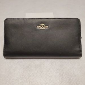 NWT COACH  BLACK LEATHER SKINNY WALLET